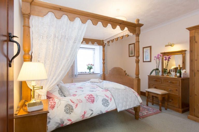 Pigeon Cote Four Poster